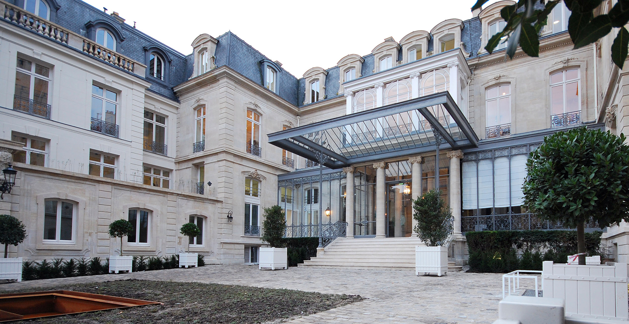 AASG 137 FAUBOURG ST HONORE VUE FACADE